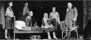 """Eesti Draamateatri """"Pilvede värvid"""", lavastaja Mikk Mikiver, esietendus 8. IX 1983."""