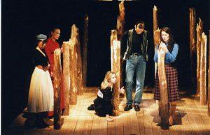 """Eesti Draamateatri """"Kured läinud, kurjad ilmad"""", lavastaja Merle Karusoo, esietendus 22. III 1997."""