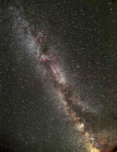 Kõige tuntum planeete jahtiv teleskoop kannab nime Kepler. See teleskoop on paigutatud tiirlema orbiidile ümber Päikese ja on pikaajaliselt suunatud ühele ja samale taevaalale. Pildil osake Linnuteest, mida teleskoop jälgib.