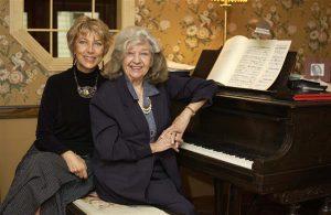 Maaja Roos ja Helen Tobias-Duesberg Savannah's.