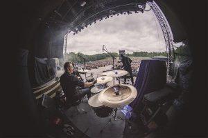 5. juunil esines Tallinna lauluväljakul ansambel Queen koos Adam Lambertiga. Rokihiiglasi soojendas sel üritusel The Princes.