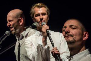 """""""sugu: M"""". Meesküsimust lahkavad kolm varajases keskeas luuletajat: Jürgen Rooste, Kaur Riismaa ja Ivar Sild."""