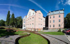 Pildil Tartu ülikooli õigusteaduskonna hoone.