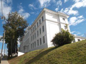 2015. aastal restaureeriti põhjalikult 1915. a ehitatud Valga poeglastegümnaasiumi hoone, mille ehitus- ja restaureerimistööd teostas Semuehitus ning muinsuskaitselist järelevalvet Mait Tael P. P. Ehitusjärelevalvest. Omanik: haridus- ja teadusministeerium, eritingimused ja projekt: ARC Projekt.