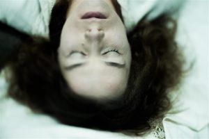 Anneli Rahkemale (Eetla) sobib imelik irratsionaalsus, äraseletamatu loomulik-loomalik naiselikkus.