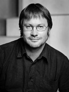 Eesti disainiauhindade 2016. aasta disainihariduse preemia pälvis MartinPärn Eesti kunstiakadeemia (EKA) ja Tallinna tehnikaülikooli (TTÜ) ühise disaini ja tootearenduse magistrikava käivitamise ning arendamise eest.