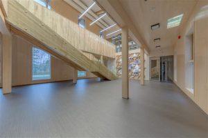 Aasta puitehitis 2016 on Arcwoodi (PeetriPuit) tehasekompleks Põlvas, arhitektid Mihkel Tüür, Ott Kadarik, Aleksei Petrov (Kadarik Tüür Arhitektid) sisearhitektid Kadri Tamme, Liis Mägi ja Harri Kaplan (Kadri Tamme Sisearhitektuur).
