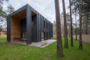 Liimpuidu kasutamise preemia anti ristkihtliimpuidust eramule Nõmmel, arhitekt Sten Ader (SKAD Arhitektid).