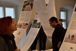 """""""Kes loob linna?"""" on justkui Tartu praeguse aja ja ruumi kondensaator, mis joonistab selgelt välja Tartu linnaruumi arengu XXI sajandi suundumused ja neid kujundavad jõujooned."""