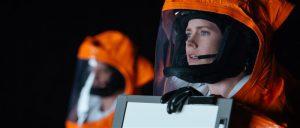 Louise Banksist (Amy Adams) ei saa filmi vältel kangelast, vaid ta jääbki tagasihoidlikuks lingvistiks.