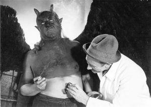 """""""Fausti"""" režissöör F. W. Murnau pintseldamas karismaatilist Mefistot (Emil Jannings)."""