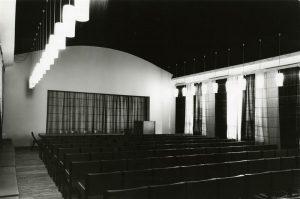 Sisearhitektina äratas Vello Asi tähelepanu 1963. aastal, kui kavandas Kirjanike Maja musta laega saali ja fuajeed.