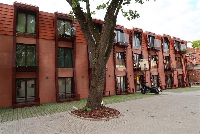 Uued majad vanas linnas  Teateid Tartu vanalinnast — Sirp